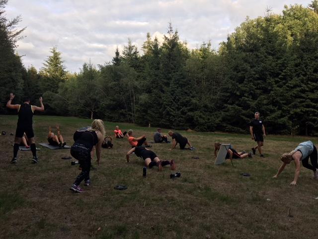 Bootcamp groep op de woldberg